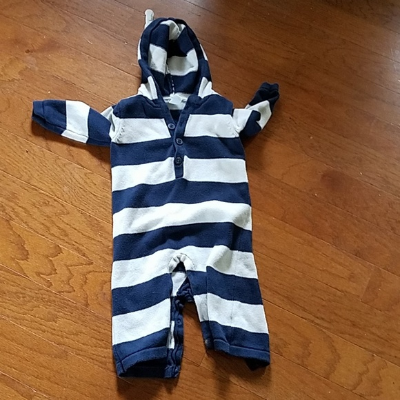 Old Navy Other - Old Navy hooded sweater outfit